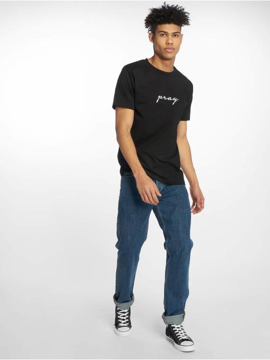 Mister Tee t-shirt Pray Emb zwart