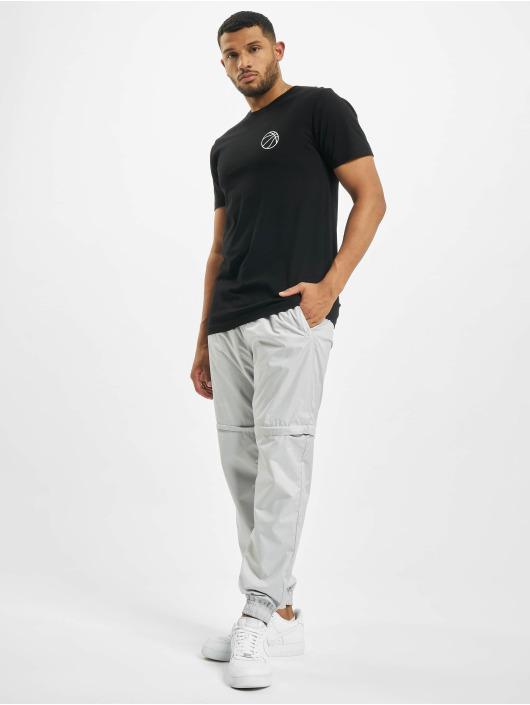 Mister Tee t-shirt Colored Basketball Player zwart