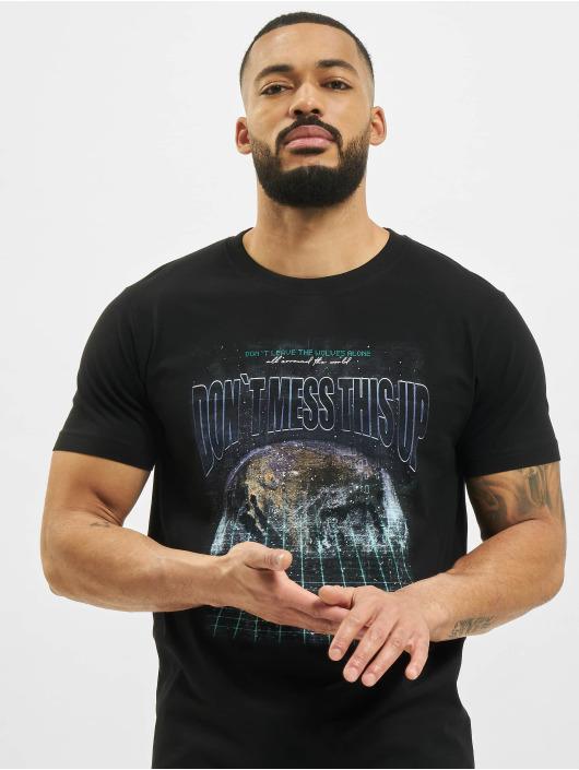 Mister Tee t-shirt Don´t Mess This Up zwart
