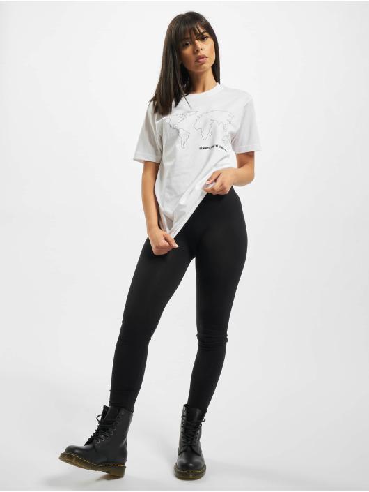 Mister Tee T-shirts World Map hvid