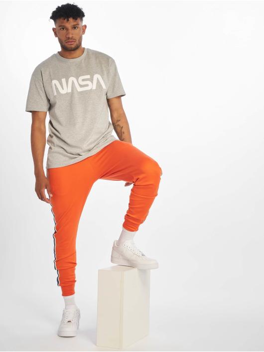 Mister Tee T-skjorter Nasa Heavy Oversized grå