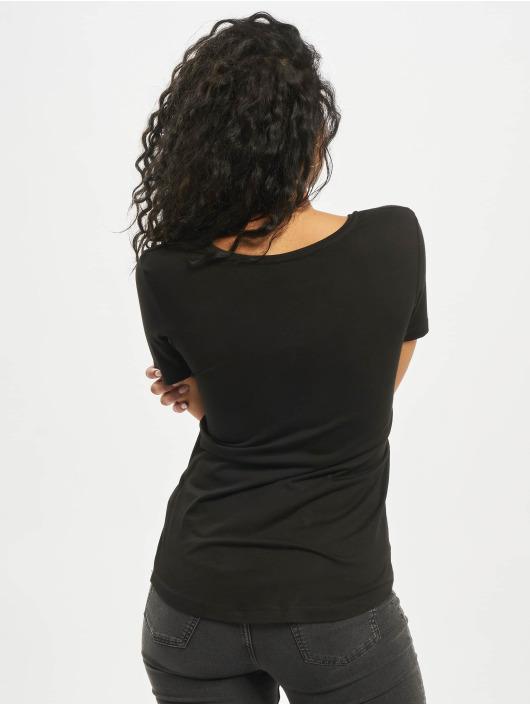Mister Tee T-skjorter Stranger Girl svart