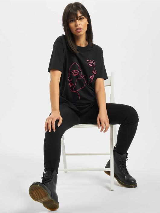 Mister Tee T-skjorter Ladies One Line svart