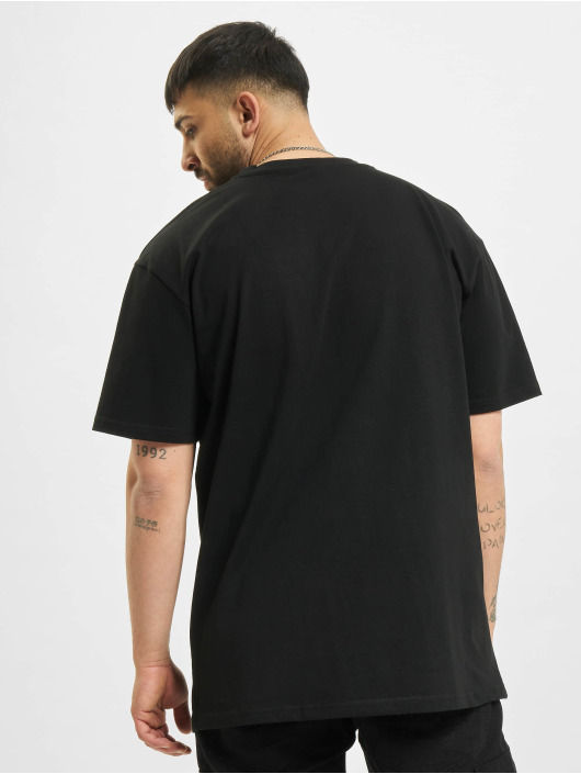 Mister Tee Upscale T-paidat Cure Oversize musta
