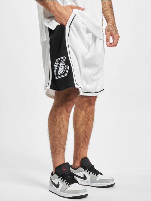 Mitchell & Ness Šortky Swingman LA Lakers biela