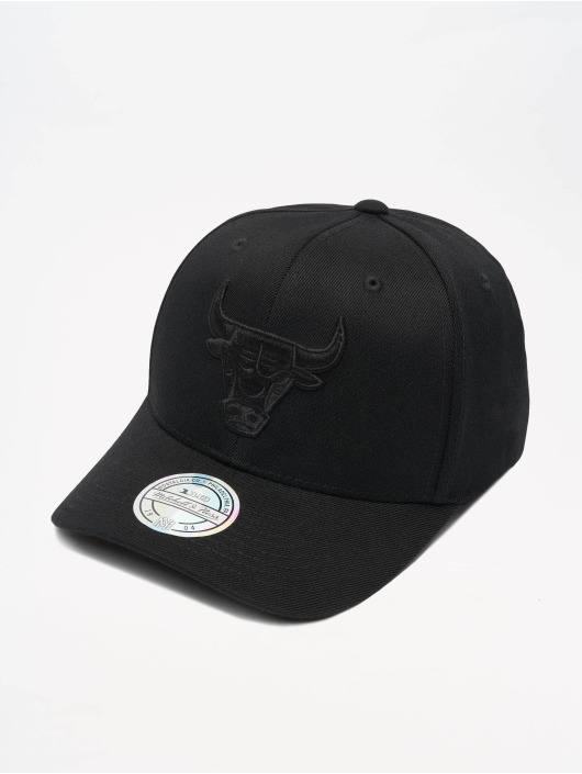 Mitchell & Ness Кепка с застёжкой NBA Chicago Bulls 110 Black On Black черный