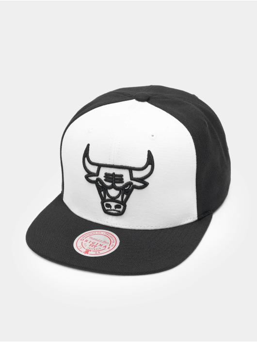 Mitchell & Ness Casquette Snapback & Strapback Front Post Chicago Bulls blanc
