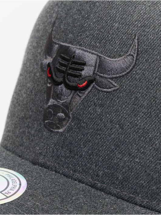 Mitchell & Ness Casquette Snapback & Strapback NBA Chicago Bulls Decon gris