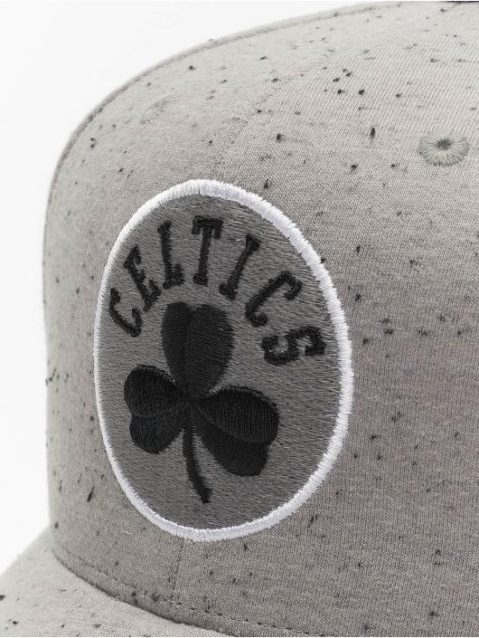 Mitchell & Ness Casquette Snapback & Strapback NBA Boston Celtics Speck gris