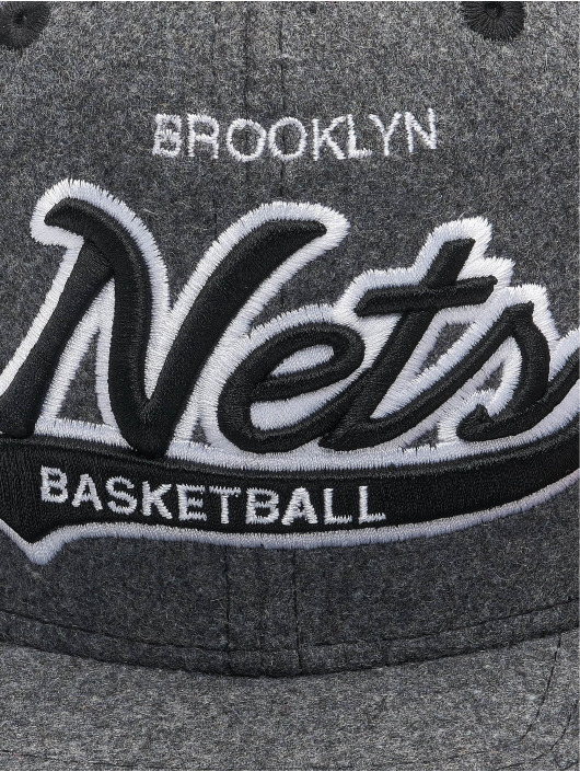Mitchell & Ness Casquette Snapback & Strapback NBA Brooklyn Nets Melton COD gris