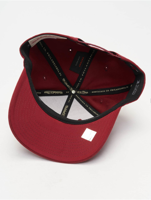 Mitchell & Ness Casquette Snapback & Strapback NBA Chicago Bbulls 110 Curved rouge