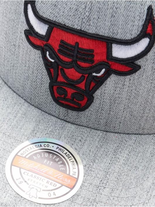 Mitchell & Ness Snapback Team Heather Chicago Bulls Stretch šedá