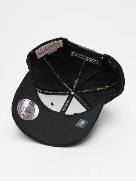 Mitchell & Ness Snapback Cap NBA Chicago Bulls Cord Curved black