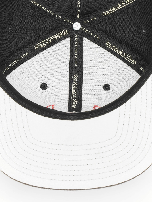 Mitchell & Ness Snapback Cap Reflective Duo Chicago Bulls black