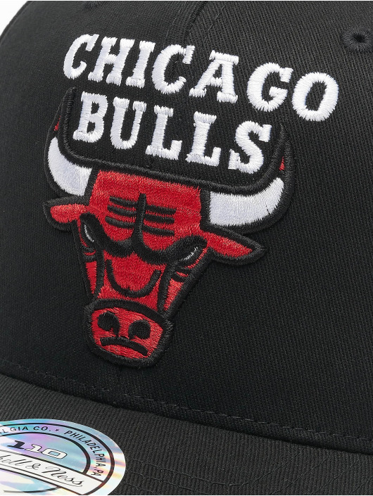Mitchell & Ness Snapback Cap NBA Chicago Bulls Team Logo High Crown 6 Panel 110 black