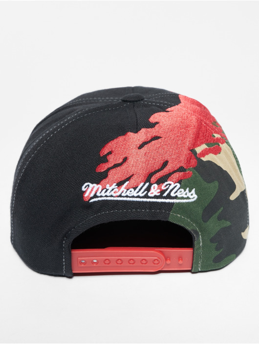 Mitchell & Ness Snapback Cap HWC Philadelphia 76ers colored