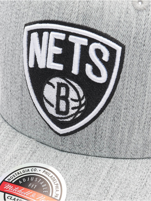 Mitchell & Ness Snapback Cap Team Heather Redline Brooklyn Nets grau