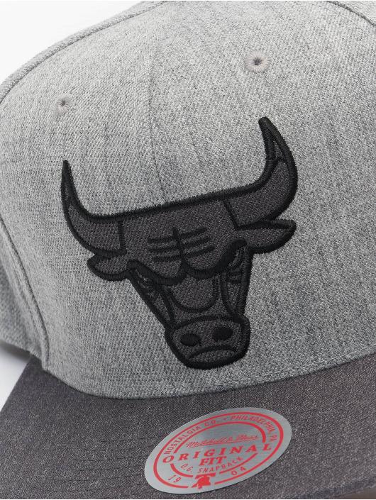 Mitchell & Ness Snapback Cap Dual Heather Chicago Bulls grau