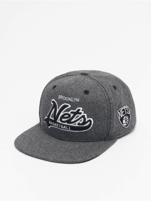Mitchell & Ness Snapback Cap NBA Brooklyn Nets Melton COD grau