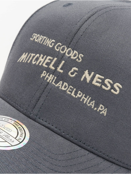 Mitchell & Ness Snapback Cap Sporting Goods grey