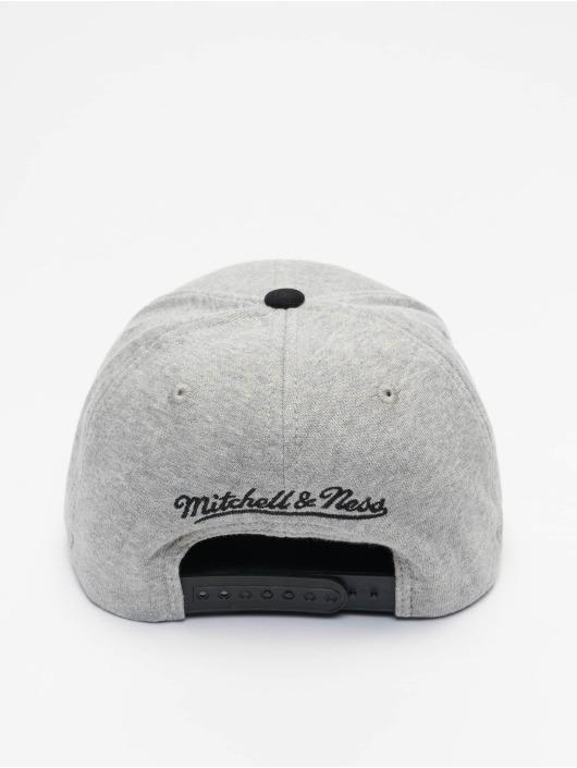 Mitchell & Ness Snapback Cap 186 Redline Chicago Bulls grey