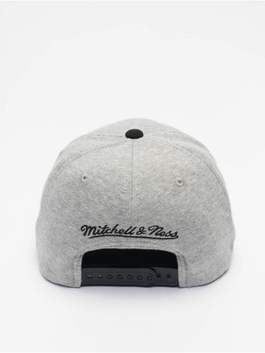 Mitchell & Ness Snapback Cap 186 Redline Milwaukee Bucks grey
