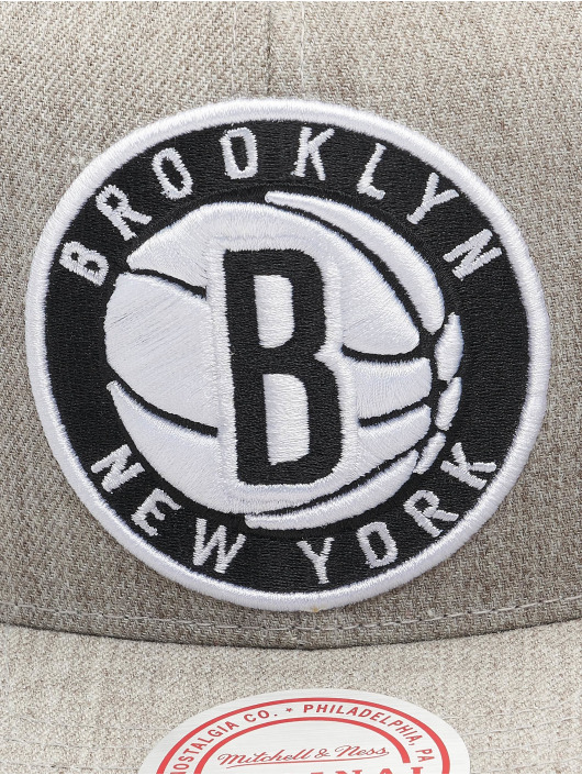 Mitchell & Ness Snapback Cap Team Heather Brooklyn Nets grigio