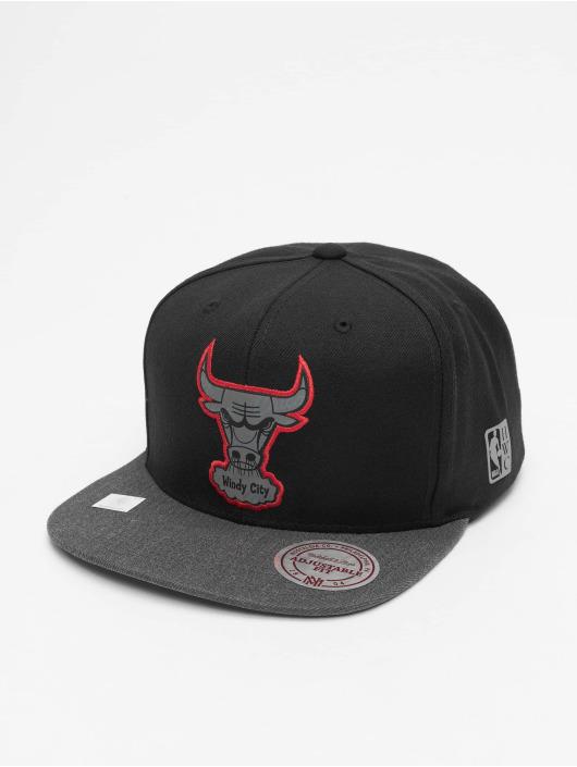 Mitchell & Ness Snapback Cap Reflective Duo Chicago Bulls nero