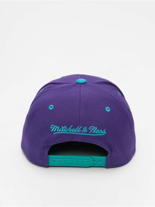 Mitchell & Ness snapback cap Charlotte Hornets HWC Team Arch paars