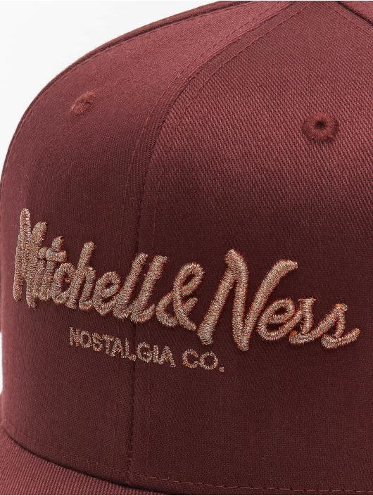 Mitchell & Ness Snapback Cap Own Brand Metallic Pinscript rosso