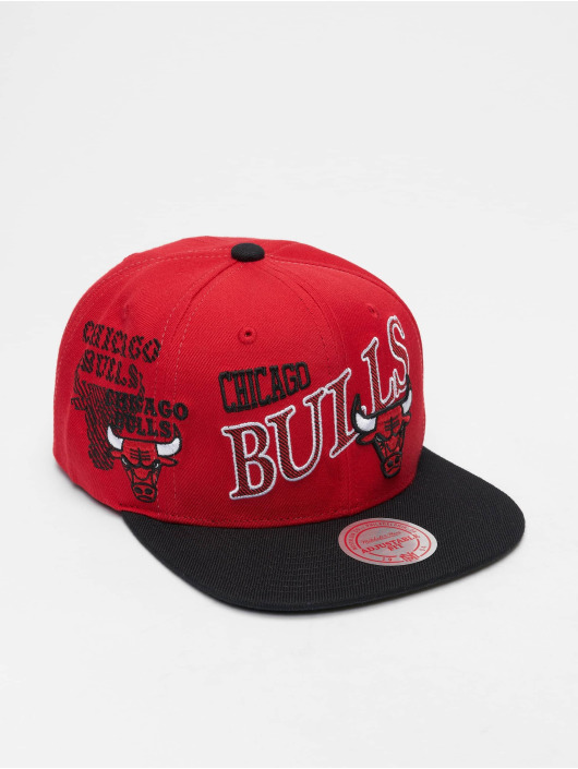Mitchell & Ness Snapback Cap NBA Chicago Bulls Side To Side rot