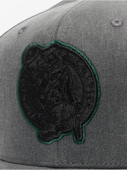 Mitchell & Ness Snapback Cap NBA Bosten Celtics Washed Denim 110 Curved schwarz
