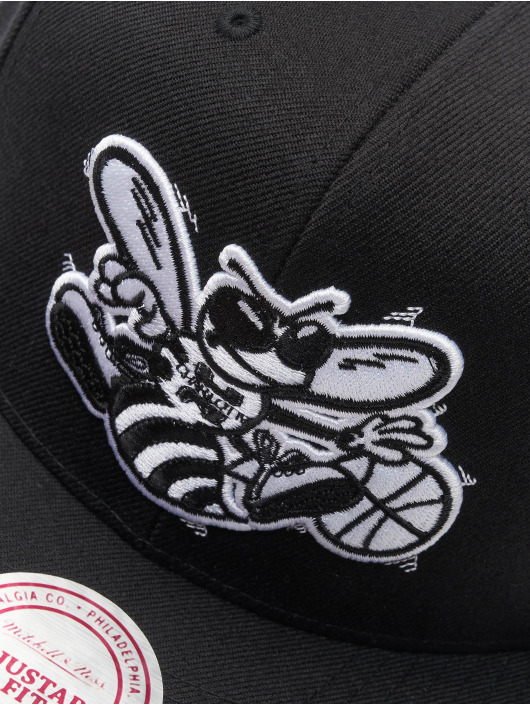 Mitchell & Ness Snapback Cap NBA Charlotte Hornets Wool Solid schwarz