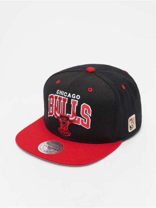 Mitchell & Ness Snapback Cap Chicago Bulls HWC Team Arch schwarz