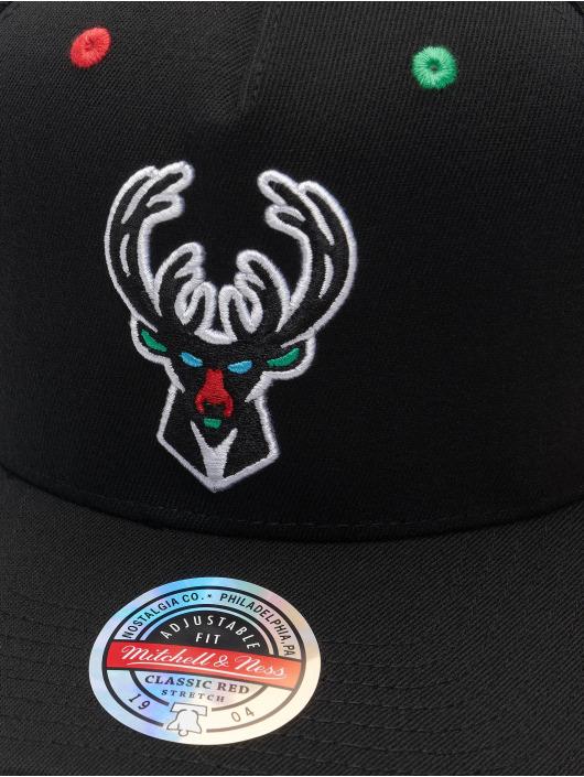 Mitchell & Ness Snapback Cap RGB Stretch Milwaukee Bucks schwarz