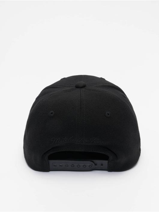 Mitchell & Ness Snapback Cap Black Out Arch Redline Brooklyn Nets schwarz