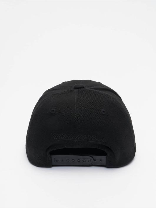 Mitchell & Ness Snapback Cap Black Out Arch Redline Chicago Bulls schwarz