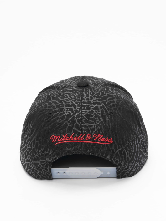 Mitchell & Ness Snapback Cap Day 5 Chicago Bulls schwarz
