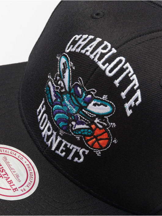 Mitchell & Ness Snapback Caps NBA Charlotte Hornets Wool Solid čern