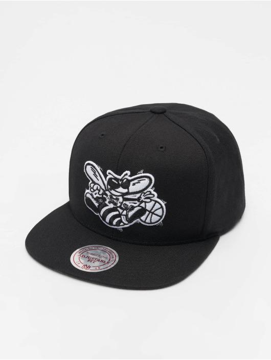 Mitchell & Ness Snapback Caps NBA Charlotte Hornets Wool Solid czarny