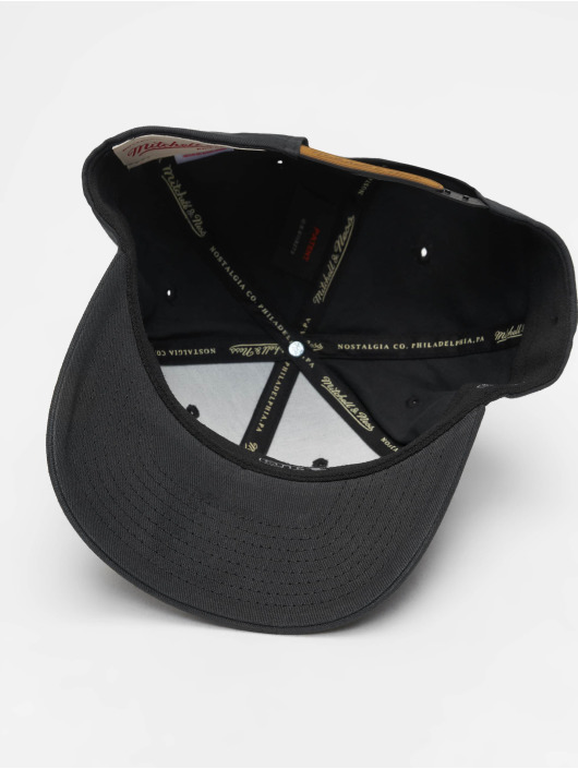 Mitchell & Ness Snapback Caps Sporting Goods czarny