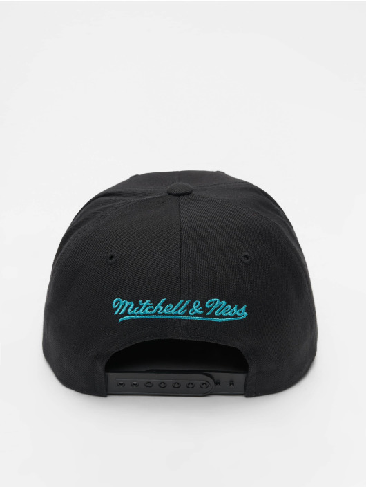 Mitchell & Ness Snapback Caps NBA Charlotte Hornets Wool Solid czarny