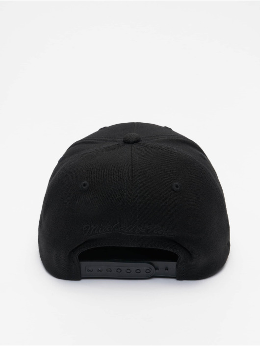 Mitchell & Ness Snapback Caps Black Out Arch Redline Brooklyn Nets czarny