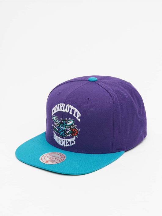 Mitchell & Ness Snapback Caps Wool 2 Tone HWC Charlotte Hornets fialový