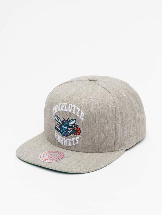Mitchell & Ness Snapback Caps Team Heather HWC Charlotte Hornets grå