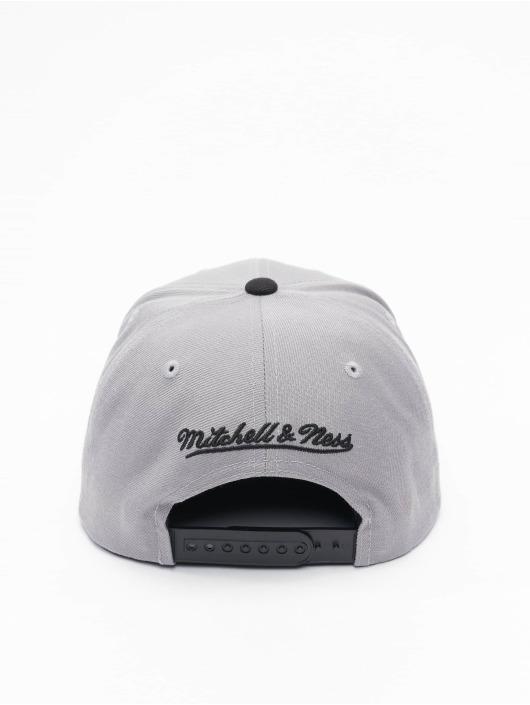 Mitchell & Ness Snapback Caps Wool 2 Tone HWC San Antonio Spurs grå