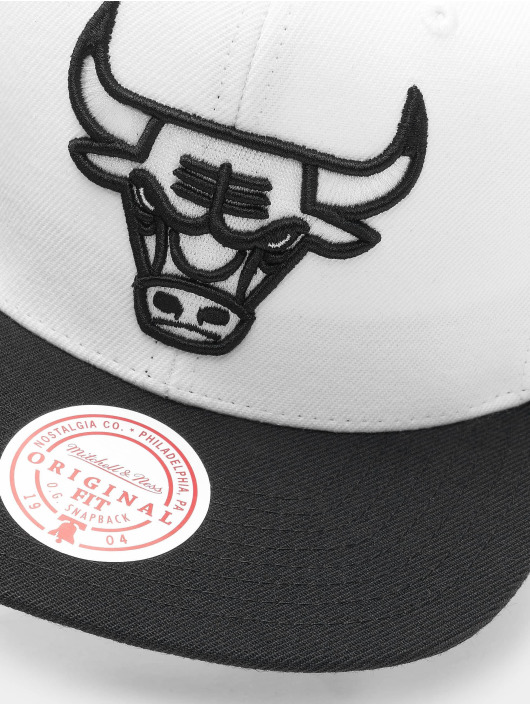 Mitchell & Ness Snapback Caps Front Post Chicago Bulls hvit