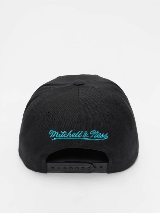 Mitchell & Ness Snapback Caps NBA Charlotte Hornets Wool Solid svart