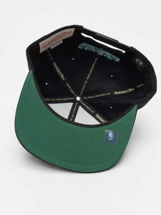 Mitchell & Ness Snapback Caps NBA Boston Celtics Wool Solid svart