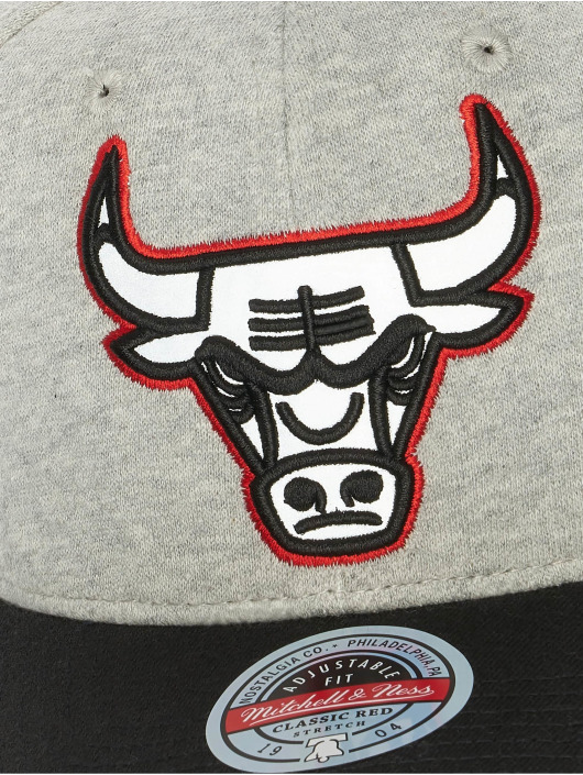 Mitchell & Ness Snapback Caps 186 Redline Chicago Bulls szary